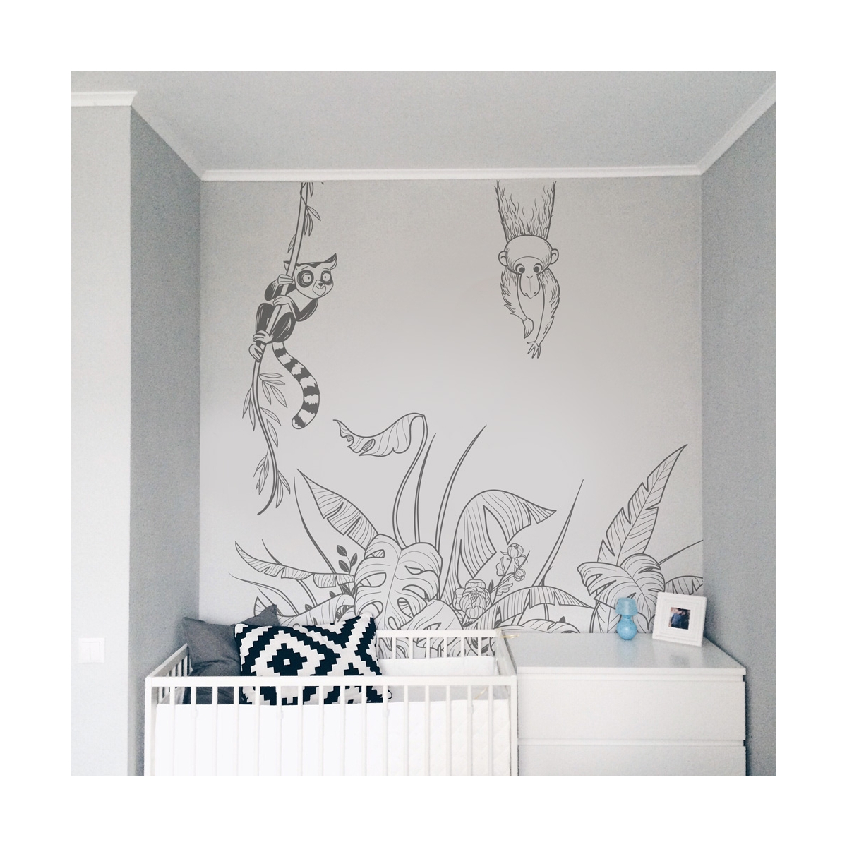 Lemurian and monkey wall stickers